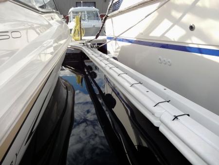 stootrand-fenderlist-beschermrand-polyform-boot-harbour-steiger-installed-haven-polyform-mf-serie